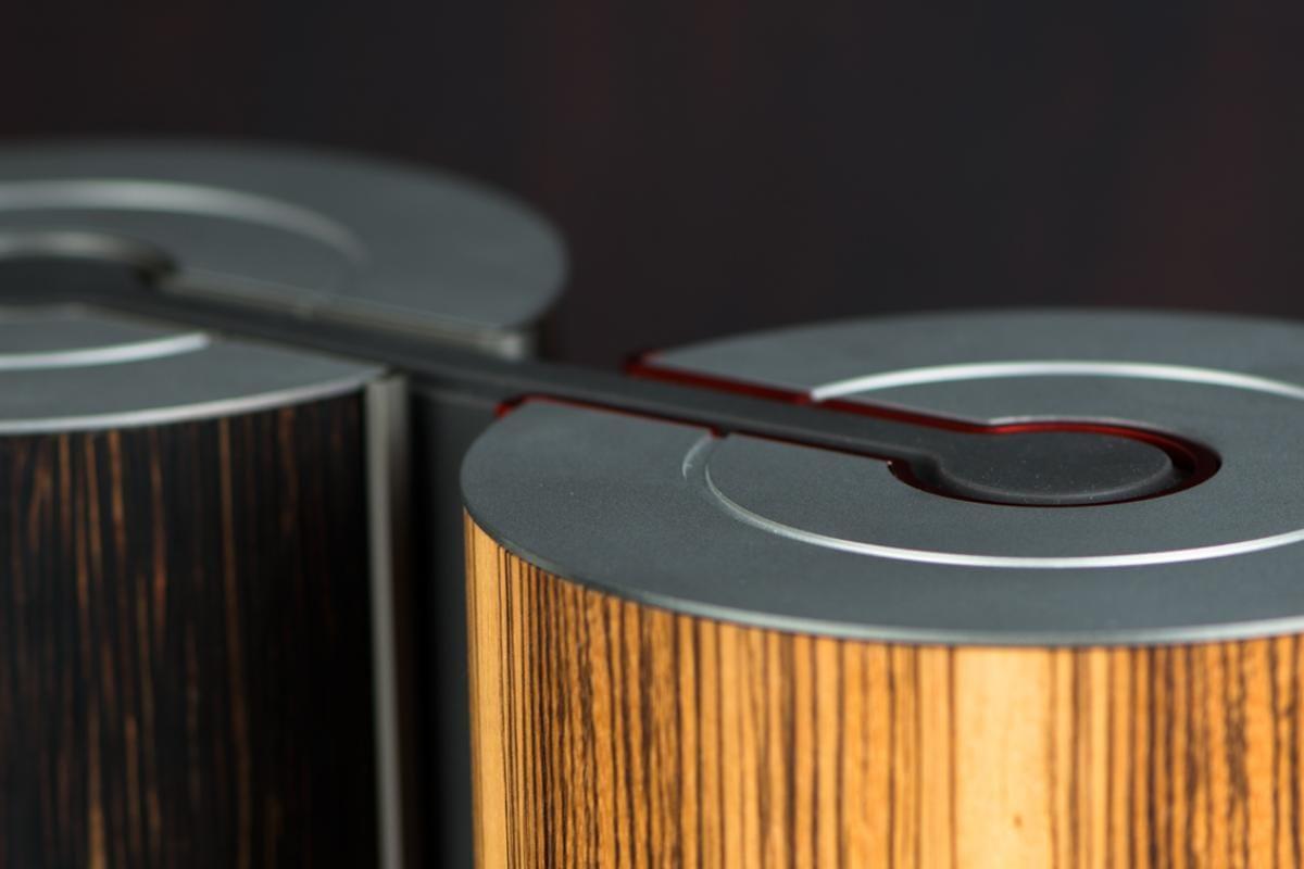 illum urn - Palmwood Platinum + Zebrano Burgundy
