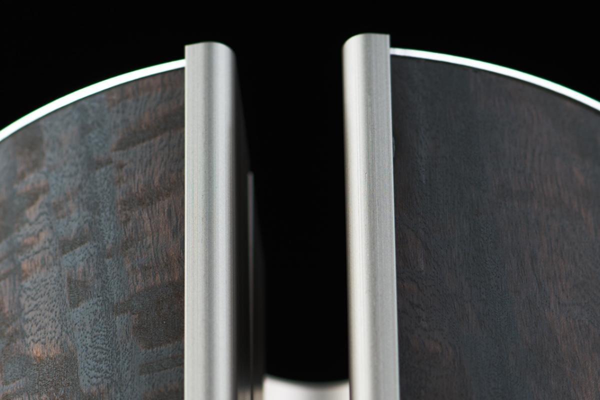met de fluweel tekening van de eucalyptus krijgt de illum urn een heel speciaal cachet