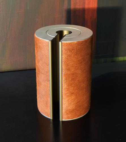 illum urn - pelle bronze
