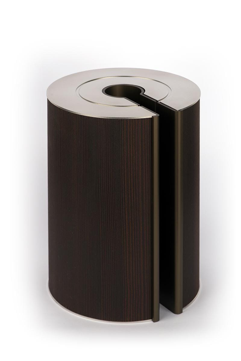 illum urn - Smoked Larch - Bronze